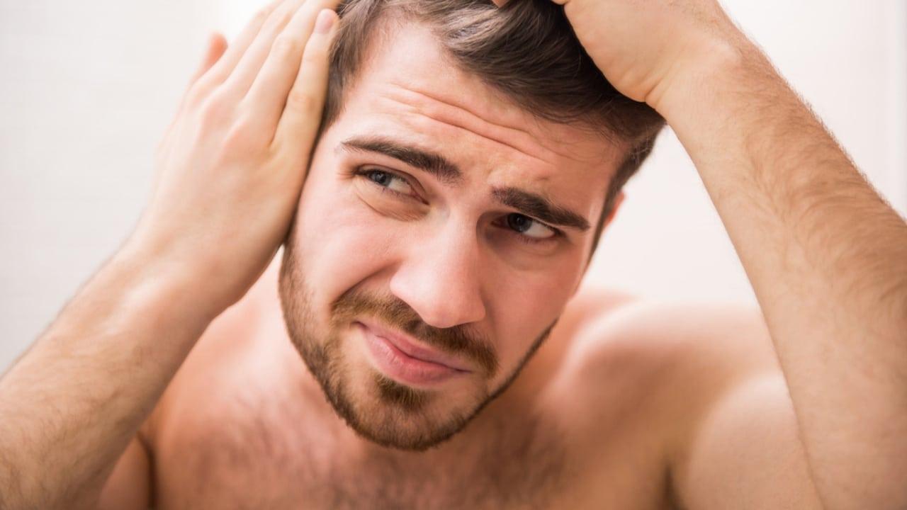 Khi bị rối loạn tiết tố bạn sẽ bị rụng tóc, giảm cơ, da nhợt nhạt,...
