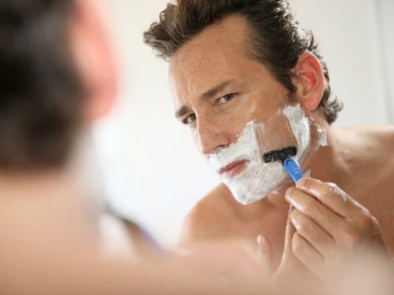 Nên hạn chế sử dụng kem cạo râu