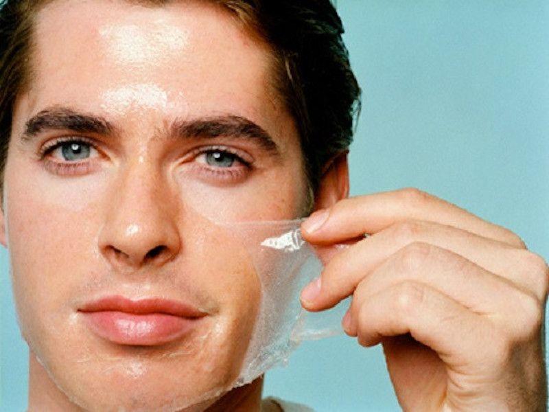 Cấp nước cho da bằng cách đắp mặt nạ sẽ giúp da láng bóng, khỏe mạnh, hạn chế được tác nhân gây mụn