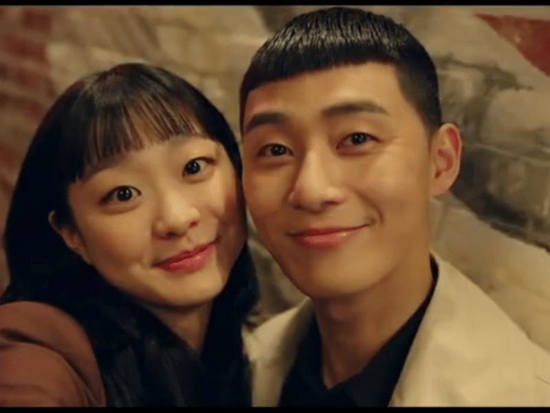 """Kiểu tóc Mohican được Park Seo Joon - nam chính Tầng lớp Itaewon """"lăng xê"""" cực kỳ hot trong cộng đồng giới trẻ"""