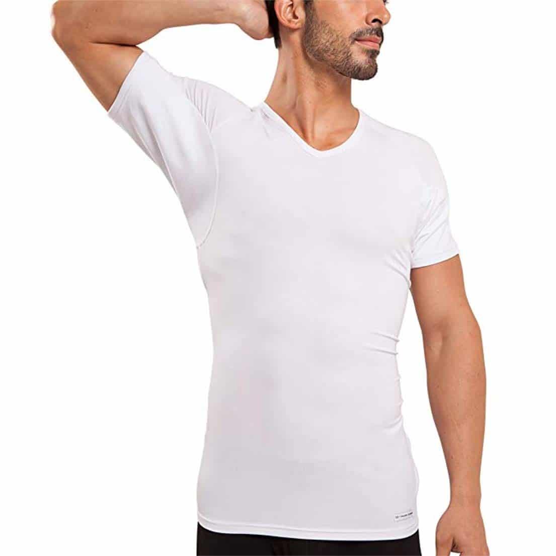 Mồ hôi ở vùng da dưới cánh tay tiết ra nhiều hơn so với với bình thường vào mùa hè
