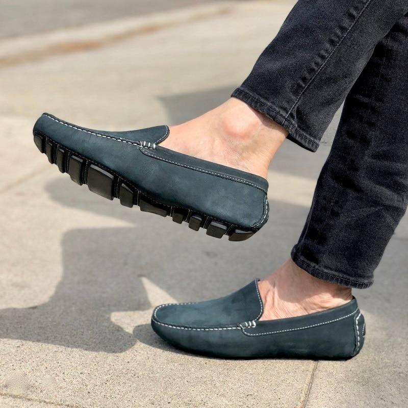 Driving shoe giúp di chuyển dễ dàng bởi trọng lượng nhẹ và thoải mái