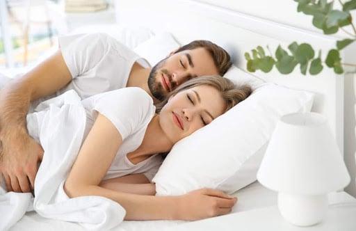 Sau khi quan hệ sẽ giúp bạn ngủ ngon hơn